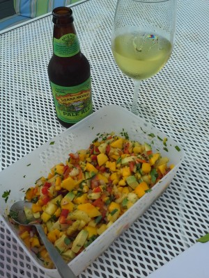 Mango-Pineapple Salsa for a warm summer night !